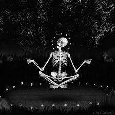 Skeleton Drawings, Skeleton Tattoos, Skeleton Art, Art Drawings, Gothic Wallpaper, Skull Wallpaper, Beautiful Dark Art, Gothic Fantasy Art, Skull Pictures