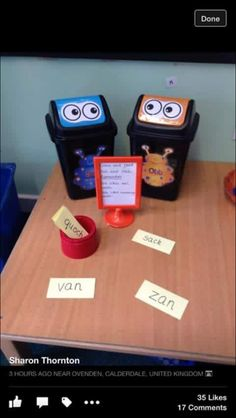 Alien words bob and obb Ks1 Classroom, Year 1 Classroom, Classroom Displays, Phonics Reading, Teaching Phonics, Primary Teaching, Phonics Games Year 1, Phonics Lessons, Kindergarten Literacy
