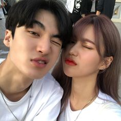 Image may contain: one or more people, selfie and closeup Mode Ulzzang, Ulzzang Korea, Ulzzang Girl, Cute Relationship Goals, Cute Relationships, Friend Pictures, Couple Pictures, Cute Couples Goals, Couple Goals