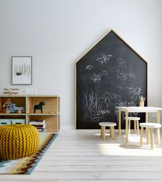 Kids playroom is often fused with kids room to ease parents to supervise their kids. Therefore you need to kids playroom decor appropriate to the age their growth Deco Kids, Toy Rooms, Kids Room Design, Playroom Design, Kids Corner, Kid Spaces, Kids Decor, Decor Ideas, Ikea Ideas