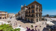 Vista di Piazza Mercantile e di Piazza Ferrarese Bari, Santa Teresa, Street View, Italia