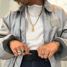 Shared by Vogue. Find images and videos about girl, fashion and style on We Heart It - the app to get lost in what you love. Fashion Killa, Look Fashion, Winter Fashion, Womens Fashion, Fashion Glamour, Black Girl Fashion, Fall Fashion Outfits, Fashion Rings, Runway Fashion
