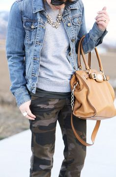 Fall outfit that I should have now Camo Pants Outfit, Camo Dress, Camo Outfits, Casual Outfits, Fall Winter Outfits, Autumn Winter Fashion, Spring Outfits, Camo Fashion, Fashion Moda