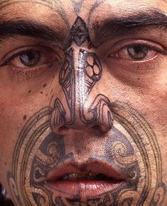 Maori Tribal Tattoo Designs Tips: Face Maori Tribal Tattoo Designs For Men… Tribal Tattoo Designs, Maori Tribal Tattoo, Ta Moko Tattoo, Hawaiianisches Tattoo, Maori Art, Tattoo Designs And Meanings, Maori Tattoos, Samoan Tattoo, Maori Designs