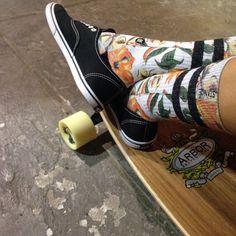 Keepin' it fresh! #tropical #orangeandgreen #floral #longboard #arborskate…