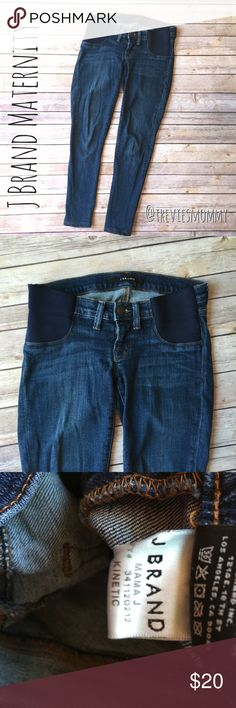 """J brand maternity crop jeans ⭐ Good overall condition! Minor fading from washing, no stains, or holes. Some what stretched from wearing.   ⭐️ J brand maternity crop jeans size 24"""". Mama J style. Kinetic color.   ❌ No Trades ❌ No Modeling ❌  ✅ Measurements available upon request   ✅ REASONABLE offers encouraged!  💲Bundle discounts available!💲  👗Visit my closet for other amazing items!👗 J Brand Jeans Ankle & Cropped"""