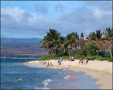 Waialua Hawaii (population 3,761) Waialua is one of the communities that make up the north shore of Oahu.