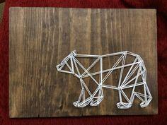 Ours en String Art géométrique sur bois, pin Grizzly, marron et blanc teinté, ours noir, ours polaire, fait main, réalisé sur commande, personnalisable