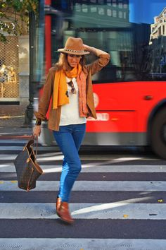 #casual #comfy #LV #neverful #itbag #streetstyle #denim #suedeshirt #thvlooks #thehighville  www.thehighville.com/blog