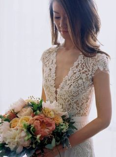 This delicate bodice: | 32 Strikingly Beautiful Wedding Dress Details