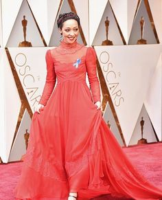 O tapete vermelho do #Oscar começou com #RuthNegga indicada à categoria de Melhor Atriz por 'Loving'. Ela não está linda de @maisonvalentino? #LOFFama  via L'OFFICIEL BRASIL MAGAZINE INSTAGRAM - Fashion Campaigns  Haute Couture  Advertising  Editorial Photography  Magazine Cover Designs  Supermodels  Runway Models