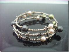 How to make a Swarovski Pearl and Memory Wire Bracelet