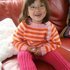 Gratis strikkeoppskrift på stripegenser barn