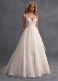 Romantic Wedding Dress with Tiered Handkerchief Skirt