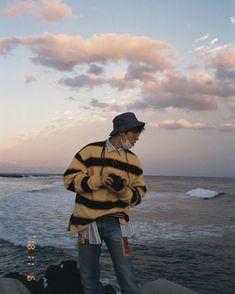 A summary of Kim Hanbin: an amazing songwriter and composer, and is desperate for a gf, even tho he gets scared around them😂 Kim Hanbin Ikon, Ikon Kpop, Chanwoo Ikon, K Pop, Bobby, J Hope Tumblr, J Hope Dance, Arte Dope, Rapper