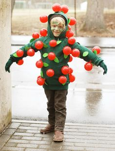 Balloon Apple Tree Costume DIY