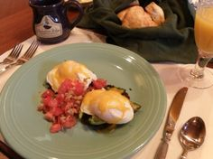 Breakfast at Chehalem Ridge Bed and Breakfast, Southwest Eggs Benedict