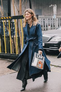 A denim robe coat that makes you look