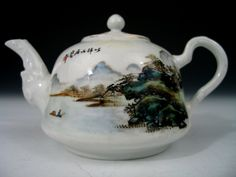 Chinese Famille Rose Porcelain Teapot, Republic Period.