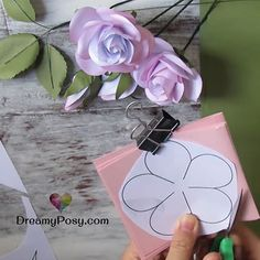 Easy tutorial to make a paper rose, FREE template How To Make Paper Flowers, Paper Flowers Craft, Crepe Paper Flowers, Flower Crafts, Diy Flowers, Paper Crafts, Fabric Flowers, Tissue Flowers, Paper Roses Tutorial