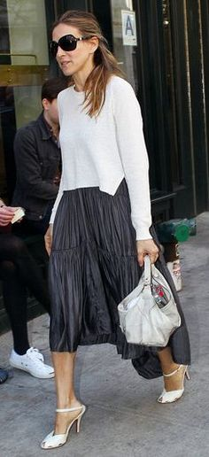Who made Sarah Jessica Parker's white sweater that she wore in New York?