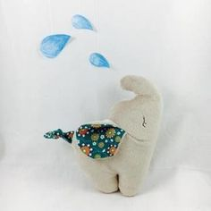 Elefant Kamika Kuschelfant ebook - Schnittmuster und Nähanleitungen bei Makerist Sewing Toys, Baby Sewing, Sewing Crafts, Handmade Soft Toys, Animal Sewing Patterns, Sock Dolls, Maila, Elephant Pattern, Softies