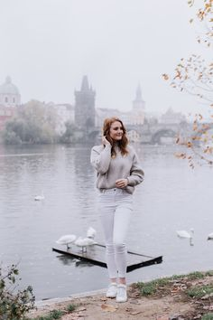 Prague Solo Photoshoot - Vltava river and swans Prague Christmas Market, Photo Location, Swans, Cool Photos, Photoshoot, Autumn, River, Instagram, Photo Shoot