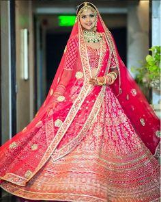 Love this pink red Sabyasachi bridal lehenga with two dupattas. Sabyasachi Lehenga Bridal, Indian Bridal Lehenga, Indian Gowns, Lehenga Dupatta, Bollywood Lehenga, Red Lehenga, Sarees, Indian Bridal Outfits, Indian Bridal Fashion