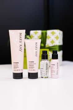 Skin-loving. Age-fighting. Any skincare lover will find holiday joy in the TimeWise® Miracle Set®! | Mary Kay