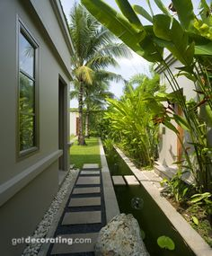 Steal these cheap and easy landscaping ideas for a beautiful backyard. Get our best landscaping ideas for your backyard and front yard, including landscaping design, garden ideas, flowers, and garden design. Small Backyard Landscaping, Backyard Garden Design, Tropical Landscaping, Garden Landscape Design, Landscaping Ideas, House Landscape, Landscape Designs, Tropical Garden, Side Garden
