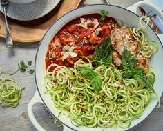 Chicken Spaghetti with Zucchini noodles. Great Low carb option. Love this @lecreuset 2 handed lidded skillet. Got this at the @marketonthesq #lowcarb #zucchininoodles #pasta #spaghetti #mealfit  #inspiration #muscles #fitgirls #paleo #healthy #lifting #exercise #nutrition #healthy #igmeals #top_foods_of_instagram #feedfeed #halfbakedharvest  #snapwire #fit #fitness #crossfit #loseweight #weightloss #cleaneating #eatclean #dinner  by @dawndwhite73