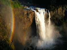 Snoqualmie Falls Smooth surface for walking or wheelchairs 6501 Railroad Avenue, Snoqualmie, WA 98065 Oh The Places You'll Go, Places To Travel, Snoqualmie Falls, Green Garden, United States Travel, What A Wonderful World, Fall Photos, Washington State, Pacific Northwest
