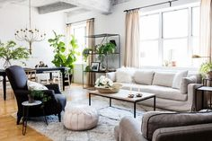 How To Quickly And Easily Create A Living Room Furniture Layout? Living Room Furniture Layout, Living Room Designs, Home Furniture, Living Room Decor, Living Rooms, Furniture Online, Antique Furniture, Outdoor Furniture, Furniture Retailers