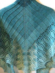 Ravelry: morninglorie's Peacock Shawlette