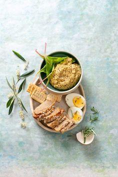 PATÉ DE OLIVAS Snack, Moscow Mule Mugs, Tableware, Hamburgers, Appetizers, Cooking, Entrees, Dinnerware, Tablewares