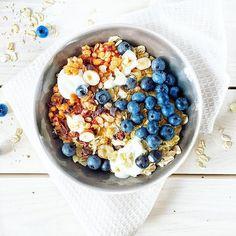 #weekend to najlepszy czas na #pyszne i #zdrowe #sniadanie :see_no_evil::heart_eyes: dziś na #sniadaniemistrzow mamy #owsianka i #owoce a dokładniej #jagody :heart_eyes::heart: #instafood #food #foodie #breakfast #fit #fiitfood #oats #oatmeal #fruits #hea