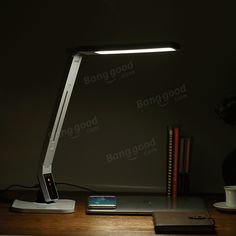 BlitzWolf® BW-LT1 Eye Protection Smart LED Table Lamp Rotatable Dimmable Desk Lamp Light 2.1A USB Charging at Banggood