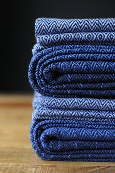 MADALO - Luna Negro  - itsmadalo - handwoven wrap - baby wearing - babywearing - wrap - baby wrap