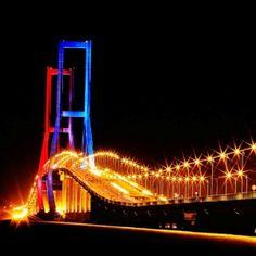 Jembatan Suramadu Surabaya, Golden Gate Bridge, Bridges, Tours, Cookies, Explore, Animal, City, Wallpaper