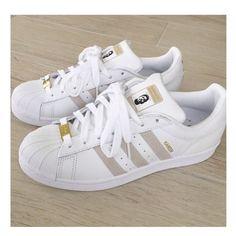 classic fit d491f 9e3ae Pinterest  WFPARADISE Scarpe Carine, Nike Tennis, Sneakers Adidas, Scarpe  Bianche, Scarpe