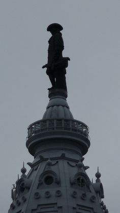 If you stand at the right angle, it looks like William Penn is holdin' his wang - #Philadelphia