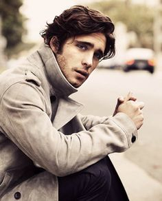 Diego Boneta - Not sure which he rocks better, the high-collared coat (is that suede?) or the Byronic wavy hair. Maravilloso!