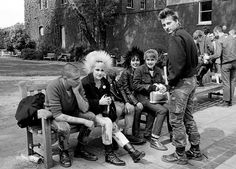 janette beckman los capturó a todos: mods, punks, chicas ska… Daft Punk, 80s Punk, Joe Strummer, Edward Steichen, Run Dmc, Joan Jett, Ziggy Stardust, Richard Avedon, London Calling