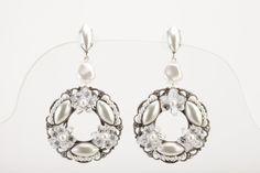 Earrings//Orecchini strass swarovsky crystal con perle swarovsky white e filigrana in ottone colore argento antico € 120,00 #wedding #bride #jewels