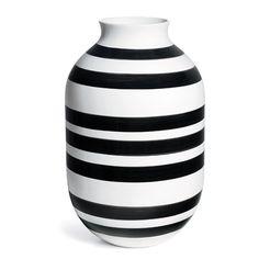 Omaggio Vase Black Mega