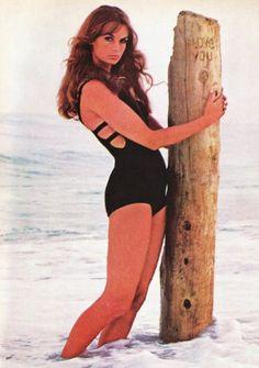 Jean Shrimpton had more curves than Twiggy.
