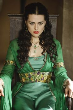 Katie McGrath in 'Merlin' Medieval Dress, Medieval Fashion, Narnia, Merlin Series, Merlin Morgana, Yennefer Of Vengerberg, Moda Outfits, Katie Mcgrath, Supergirl