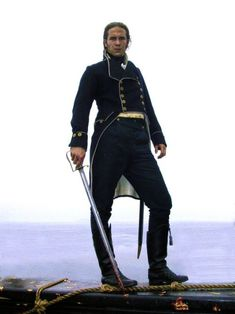 James D'Arcy in Master and Commander as Lt. William Huff makeup and costume design by Wendy Stites. Robin Robinson, Royal Navy Uniform, Master And Commander, Navy Uniforms, James D'arcy, Nasa History, Russell Crowe, Romance, 19th Century Fashion