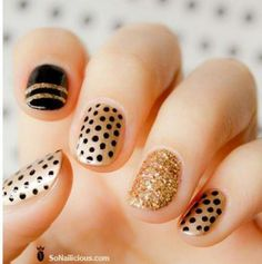Easy Polka Dots Nail Art Inspirations - Well, polka-dot nail art is on the air! Techniques nail art motive is fairly easy really know, dear. Glitter Manicure, Sparkle Nails, Manicure E Pedicure, Fancy Nails, Gold Nails, Cute Nails, Pretty Nails, My Nails, Black Nails