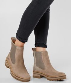 Timberland Courmayeur Valley Chelsea Boot – Women's Timberland Courmayeur Valley Chelsea-Stiefel – Damen Timberland Outfits, Timberland Stiefel Outfit, Timberland Ankle Boots, Women's Shoes, New Shoes, Shoe Boots, Boot Heels, Shoes Sneakers, Botas Outfit